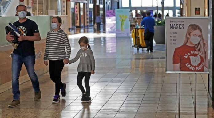 US Retail Sales Likely Tumbled In April As Virus Took Hold
