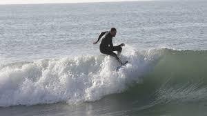shark vs surfer 2